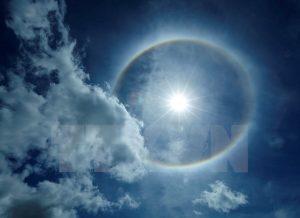 Hiện tượng lạ xuất hiện trên bầu trời Điện Biên