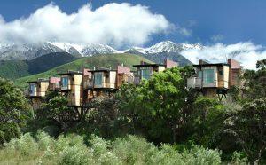 Nép mình giữa dãy núi Kaikoura và Thái Bình Dương, Khu nhà nghỉ & Nhà cây Hapuku ở New Zealand luôn khiến nhiều người choáng ngợp vì vẻ đẹp của khung cảnh thiên nhiên trù phú bao quanh.