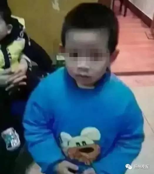 bé trai 5 tuổi bị mẹ siết hại chết, giết hại