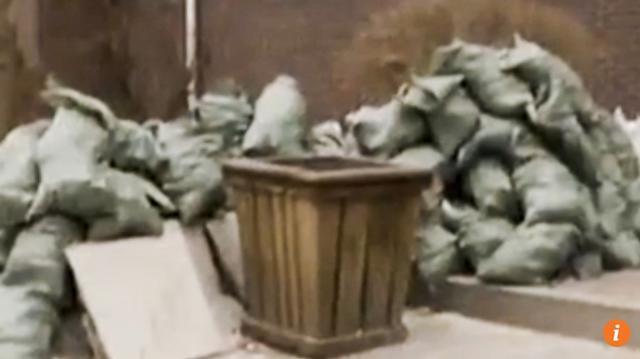 Vứt nhầm 400 triệu vào thùng rác, chuyện lạ người đàn ông vứt nhầm 400 triệu vào thùng rác