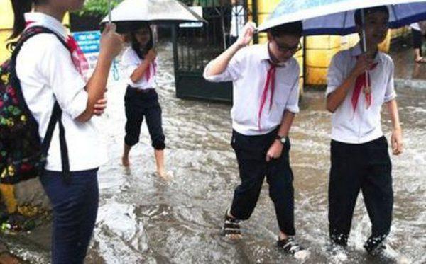 Cảnh báo bão số 4 các trường cho học sinh nghỉ học nếu có nguy hiểm