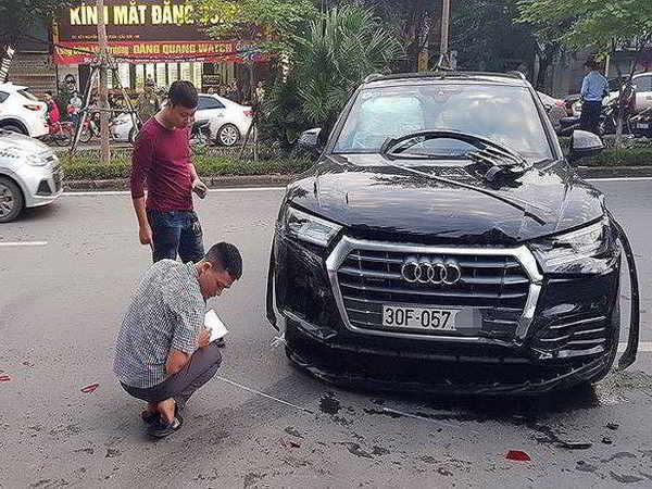 Xe Audi gây tan nạn liên hoàn