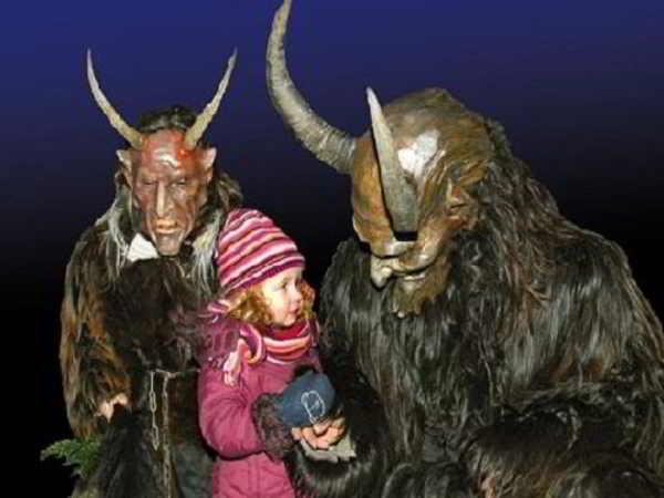 Những phong tục đón giáng sinh kì lạ trên thế giới