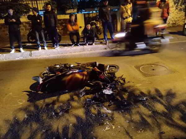 Tai nan liên hoàn làm 6 người bị thương ở phố Trích Sài , Tây Hồ