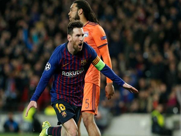 Messi đưa Barcelona vào tứ kết cúp C1