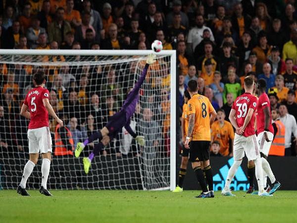 Man United bỏ lỡ cơ hội vươn lên ngôi đầu Premier League