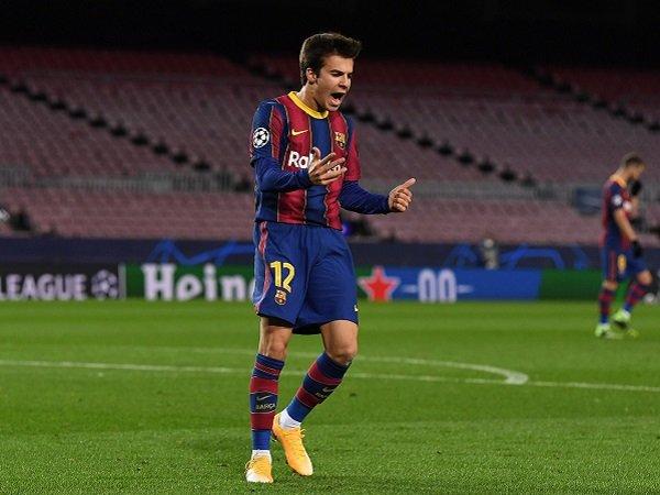 Bóng đá hôm nay 14/12: HLV Koeman nổi trận lôi đình với sao Barca