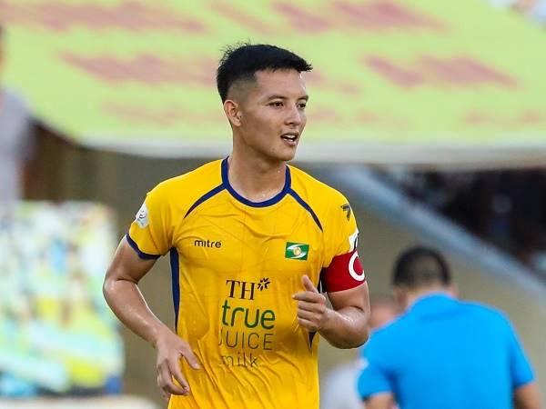 Bóng đá Việt Nam tối 8/4: Đội trưởng SLNA háo hức đối đầu Lee Nguyễn