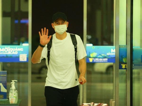 Bóng đá Việt Nam sáng 9/9: Văn Lâm trở lại Nhật